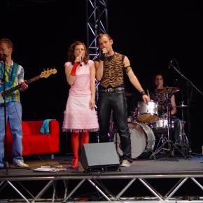 The Lovecats live: Einmal weite Welt